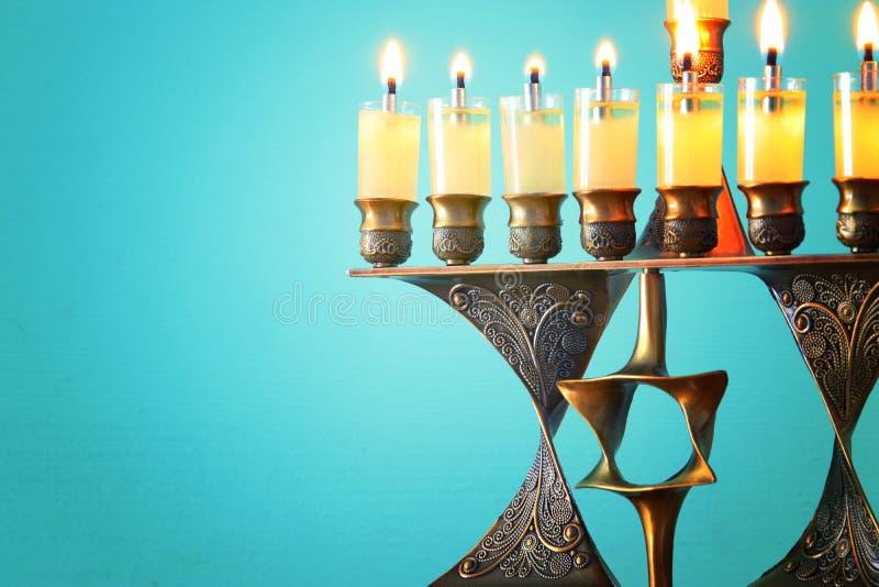 wizerunek żydowski wakacyjny Hanukkah tło z menorah & x28; tradit zdjęcie stock