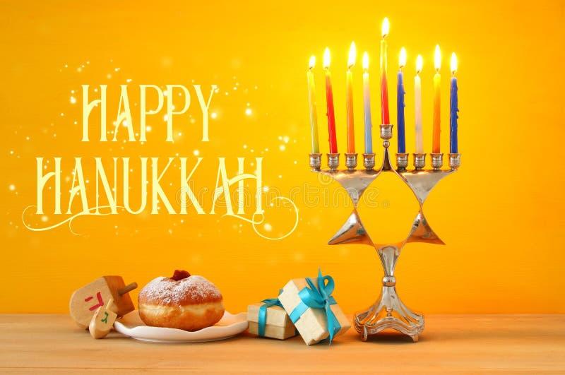 wizerunek żydowski wakacyjny Hanukkah tło z menorah & x28; tradit obraz stock