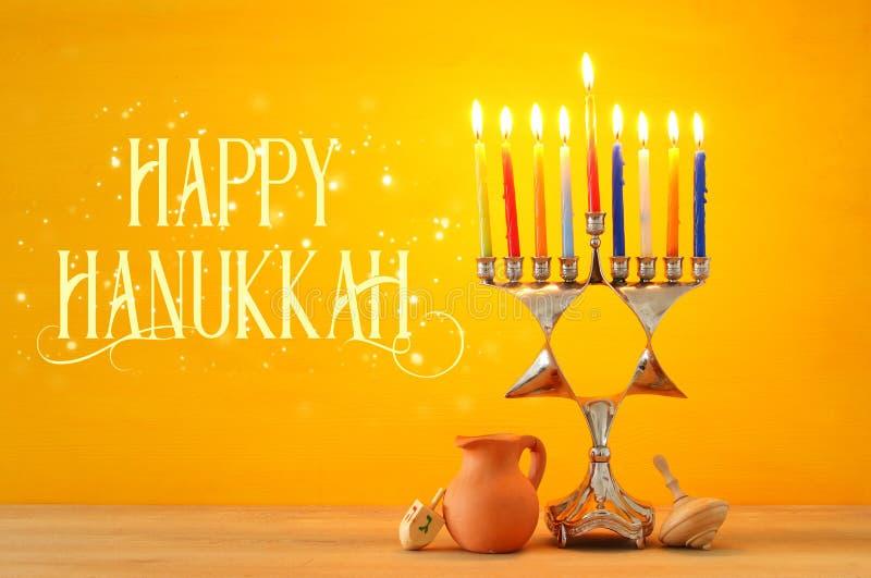 wizerunek żydowski wakacyjny Hanukkah tło z menorah & x28; tradit obraz royalty free