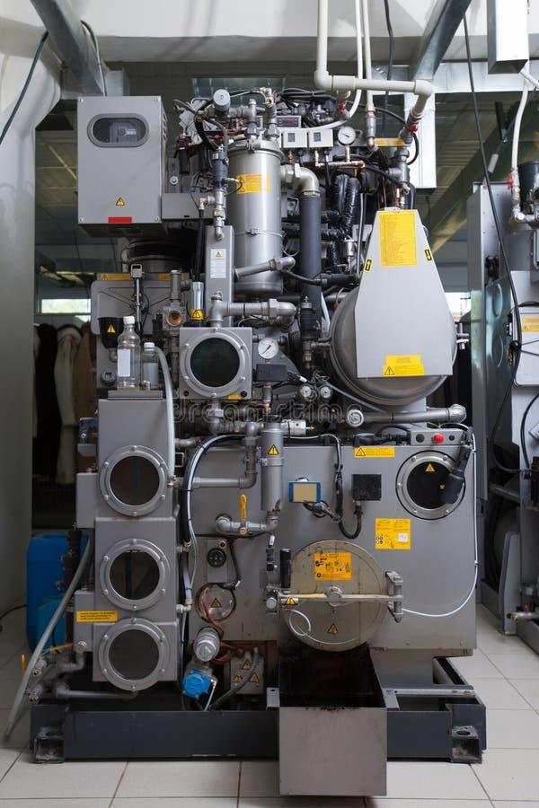 Wizerunek automatyzujący wyposażenie w suchym cleaning obrazy royalty free