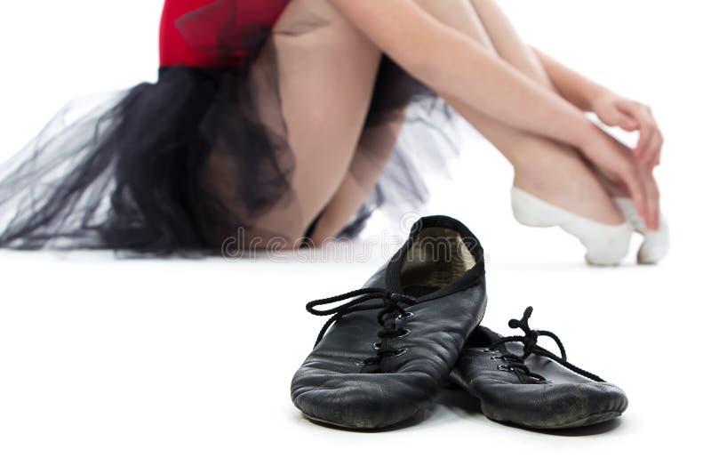 Wizerunek baletniczy buty na podłoga obraz stock