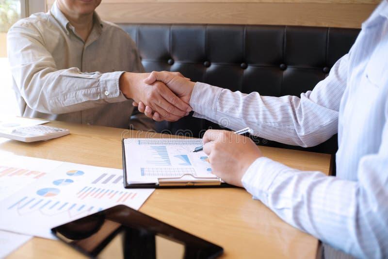 Wizerunek biznesowy obsługuje uścisk dłoni Biznesowy partnerstwa spotkania pojęcie obrazy stock