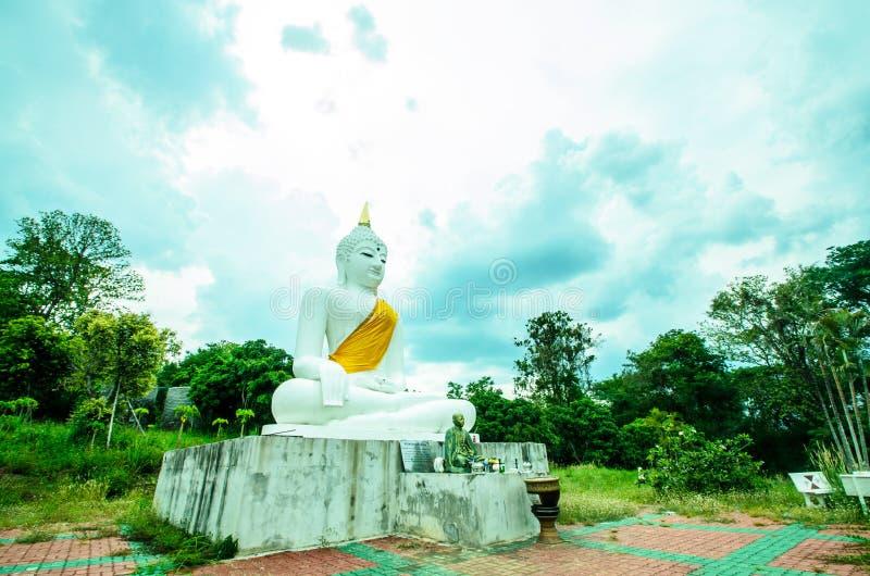 Wizerunek Jawny Budda strony sposobu plecy dom, Chiangmai fotografia royalty free
