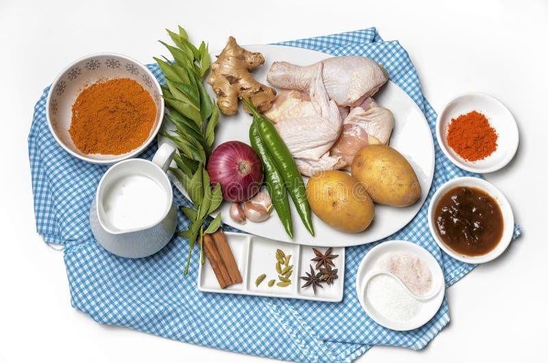 Wizerunek kurczaka curry'ego przygotowania półmisek obraz royalty free