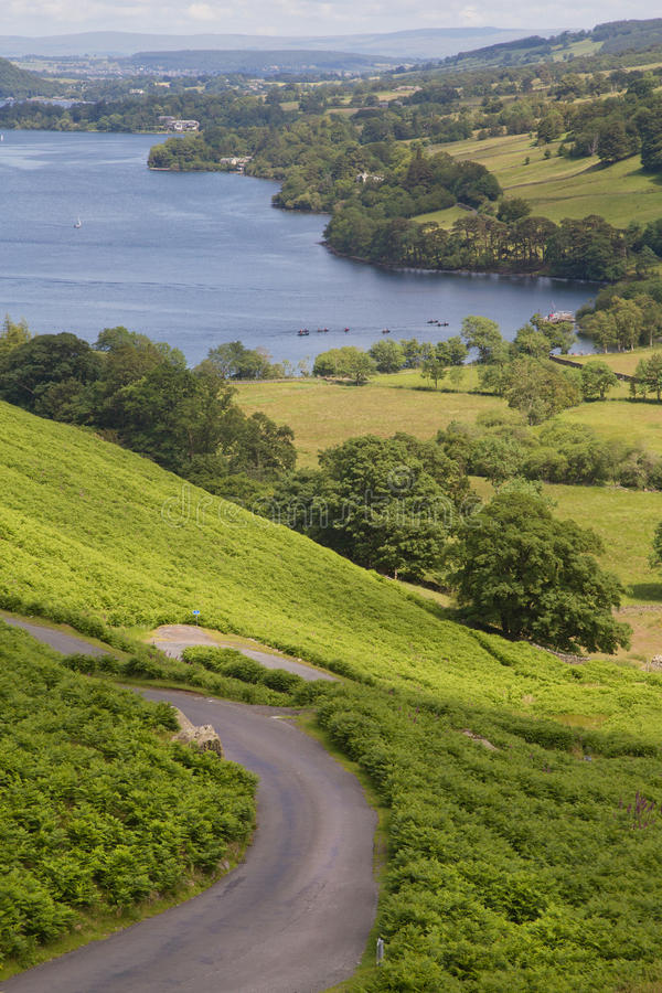 Wizerunek prowadzi Ullswater jezioro ścieżka zdjęcia royalty free