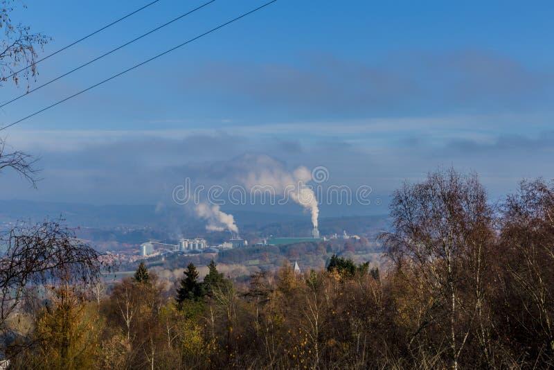 Wizerunek przemysłowy kompleks widzieć od wzgórza fotografia stock