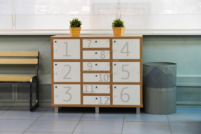 Wizerunek szafka z osobistymi składowymi pudełkami przy sprawność fizyczna klubem fotografia royalty free