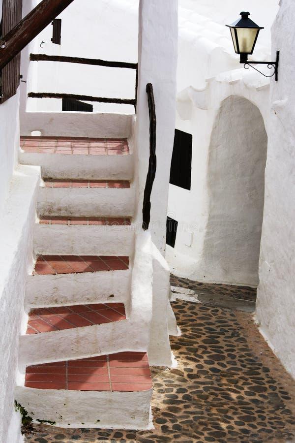 Wizerunek typowa Śródziemnomorska wioska rybacka lokalizować na wyspie Menorca, Balearic wyspy fotografia stock
