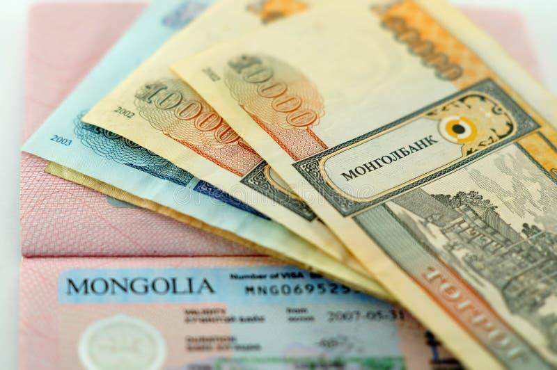 Wizujący Mongolia i Mongolscy banknoty fotografia stock