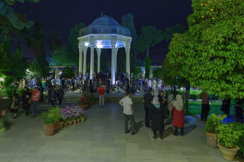 Wizyta mauzoleum Hafez Perska poeta w Shiraz, Iran fotografia royalty free