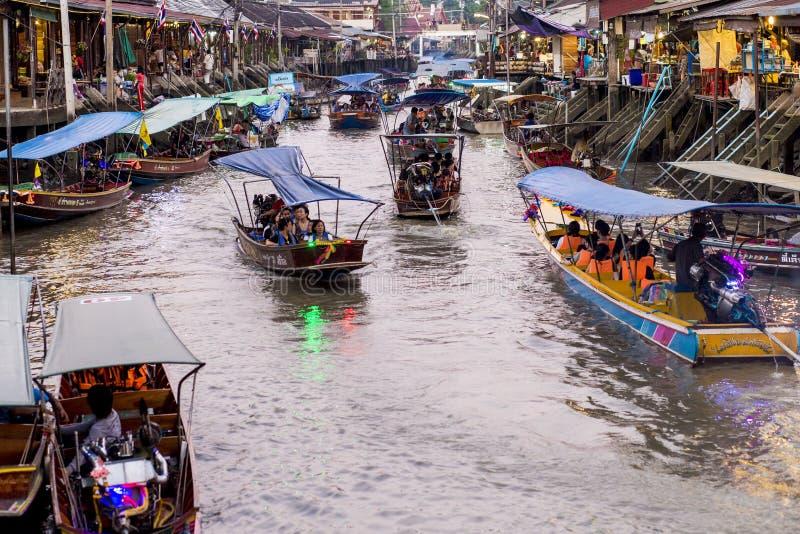 Wizyty Amphawa spławowy rynek zdjęcie royalty free