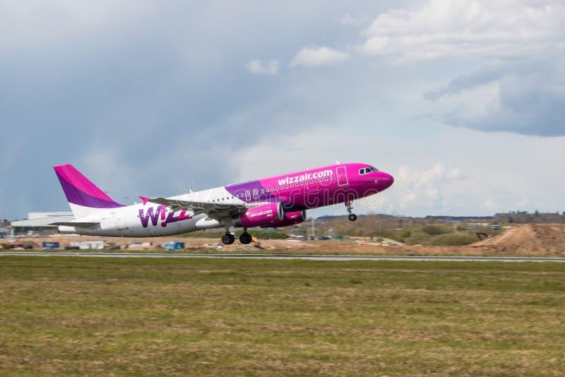 Wizz Air planieren stockfotos