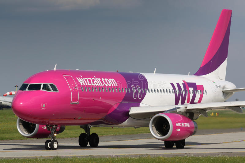 Download A320 Wizz Air editorial photography. Image of flight - 35877302