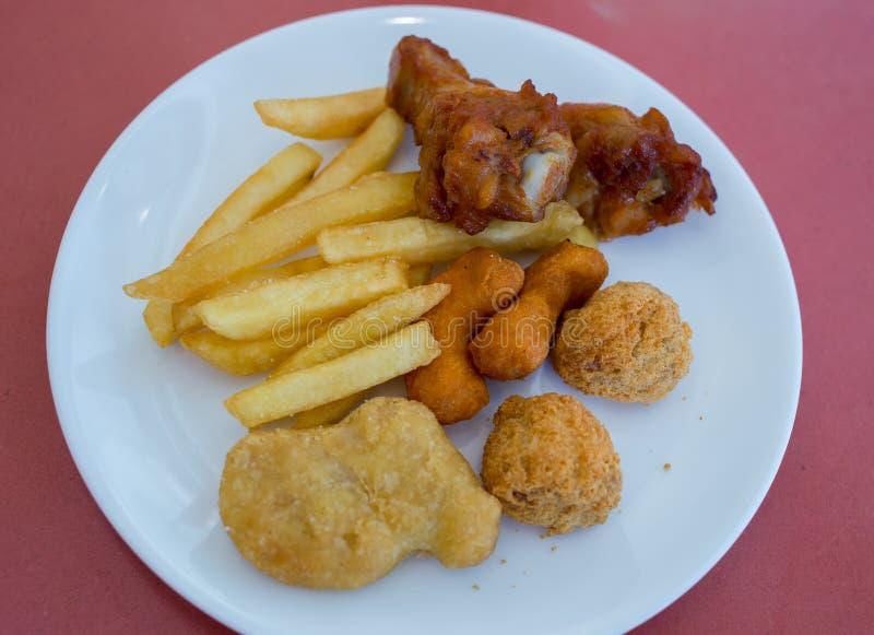 Wliczając piec na grillu kurczaka obraz stock