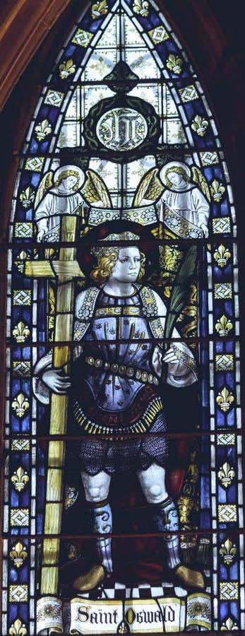 Wnętrza Lichfield katedra - witraż w rozdziale Hous zdjęcia stock