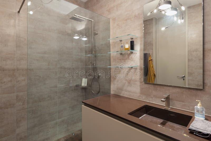 Wnętrza, marmurowa łazienka zdjęcia stock