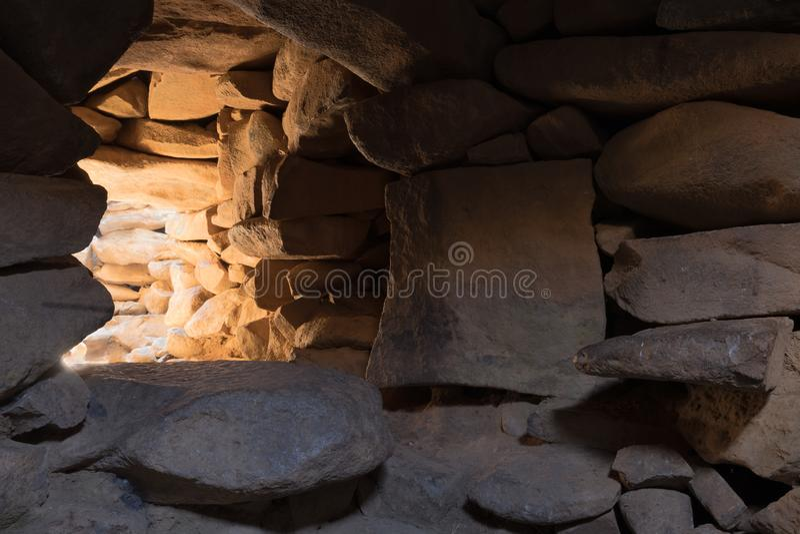 Wnętrze świątynia megalityczny kompleks wcześni Brązowego wiekakoła duchy, Rujum al, Gilgal Rephaeem dalej zdjęcie royalty free