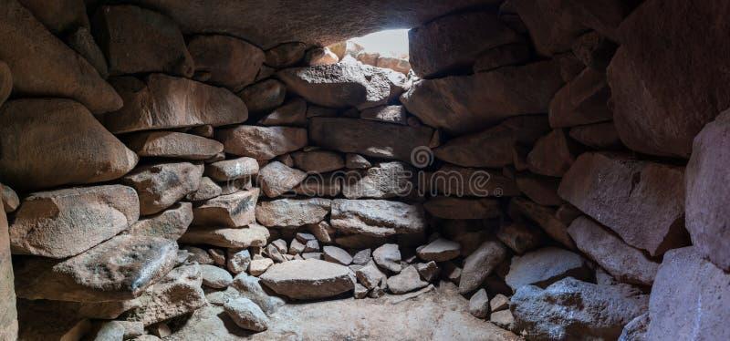 Wnętrze świątynia megalityczny kompleks wcześni Brązowego wiekakoła duchy, Rujum al, Gilgal Rephaeem dalej zdjęcie stock