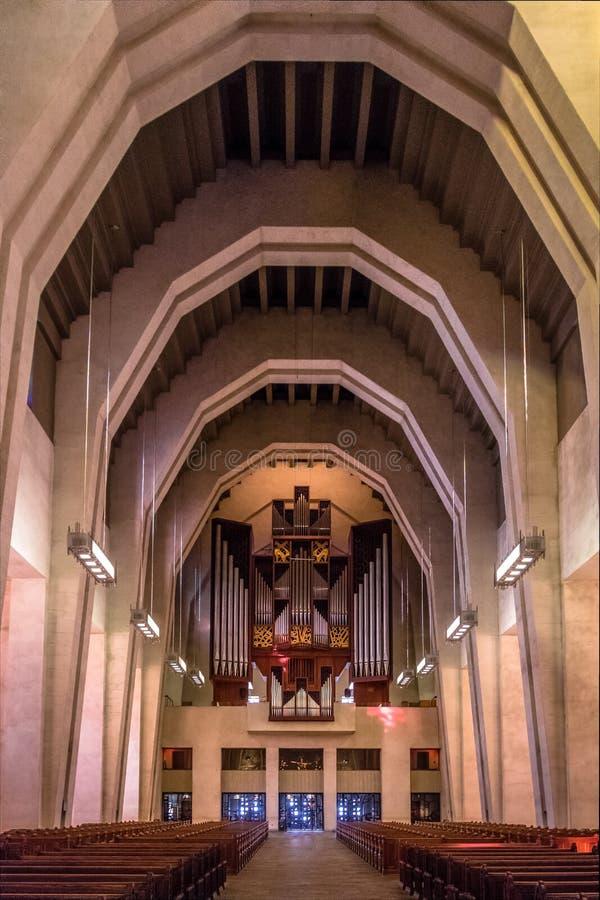 Wnętrze świętego Joseph ` s krasomówstwo z bazylika organem - Montreal, Quebec, Kanada obraz stock