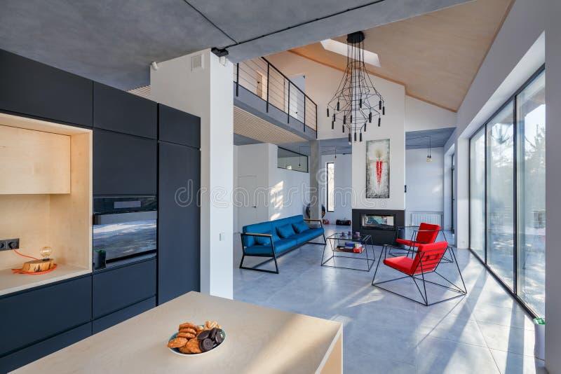 Wnętrze żywy pokój z kuchnią; graba i panorami fotografia royalty free