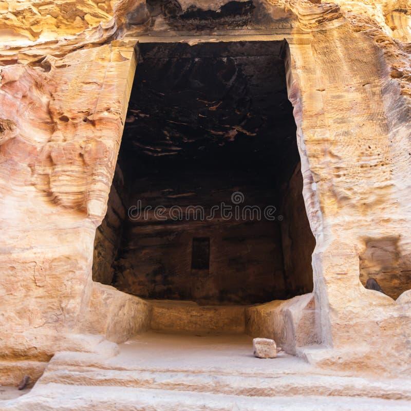 Wnętrze antyczna sala w Małym Petra miasteczku fotografia royalty free