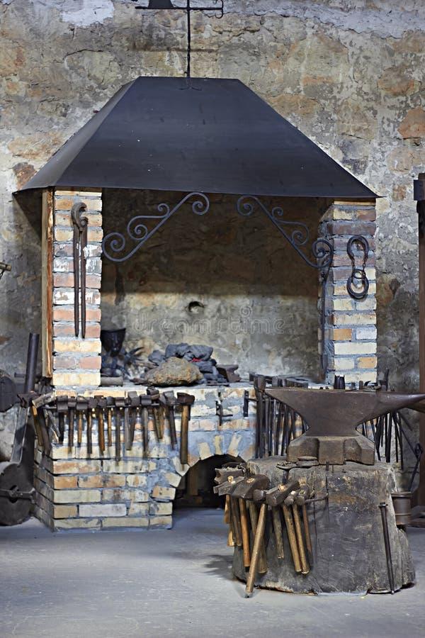 Wnętrze blacksmiths warsztatowi obraz royalty free