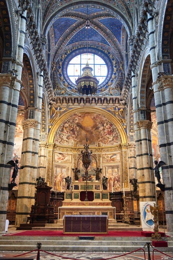 Wnętrze Duomo di Siena zdjęcie stock