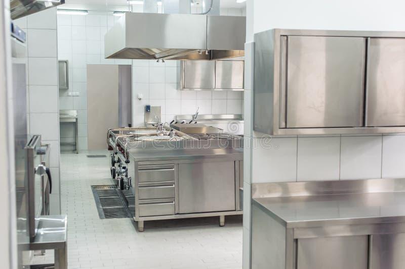 Wnętrze fachowa kuchnia zdjęcie stock