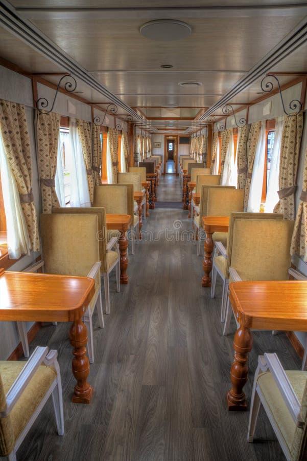 Wnętrze furgon turystyczny pociąg zdjęcia stock