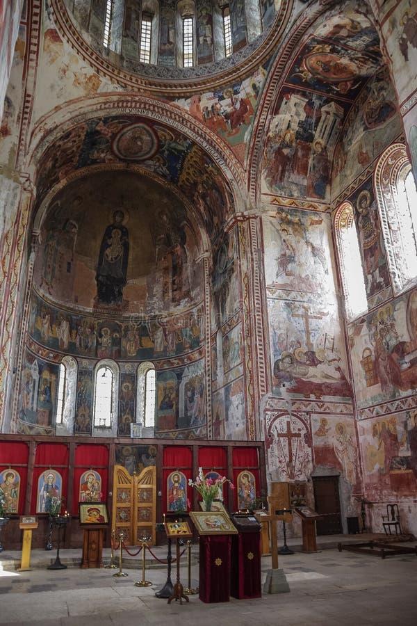 Wnętrze i frescoes kościół w Gelati monaster obraz stock