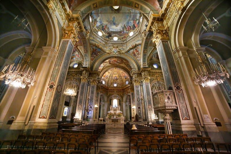 Wnętrze i sufit sanktuarium Nostra Signora della Guardia kościół obraz royalty free