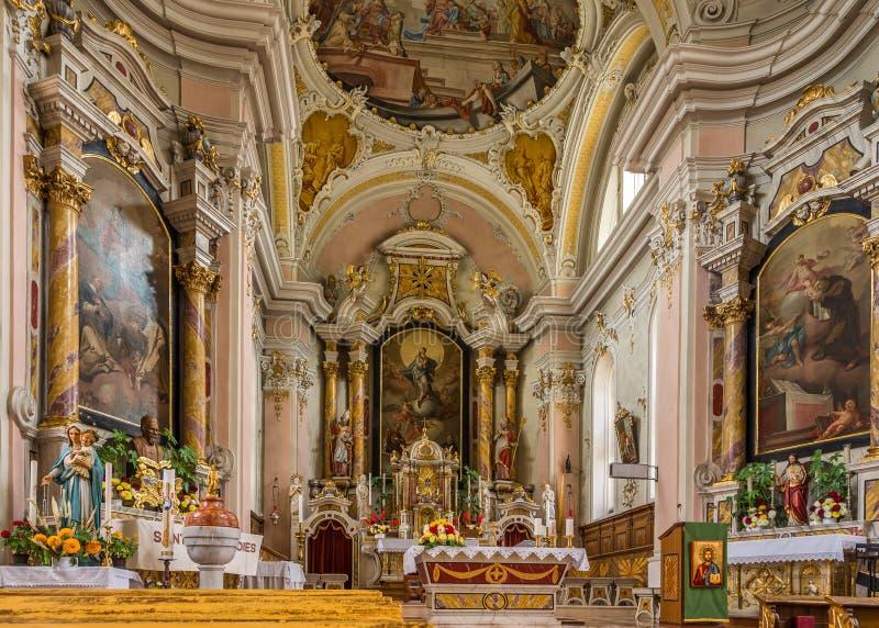 Wnętrze kościół świętego Giacomo i świętego Leonardo w Alta Badia - dolomity Włochy zdjęcia royalty free