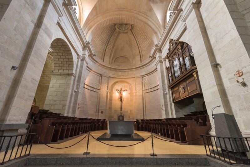 Wnętrze kościół w antyczny monastary Santo Domingo De Silos, Burgos, Hiszpania zdjęcie stock