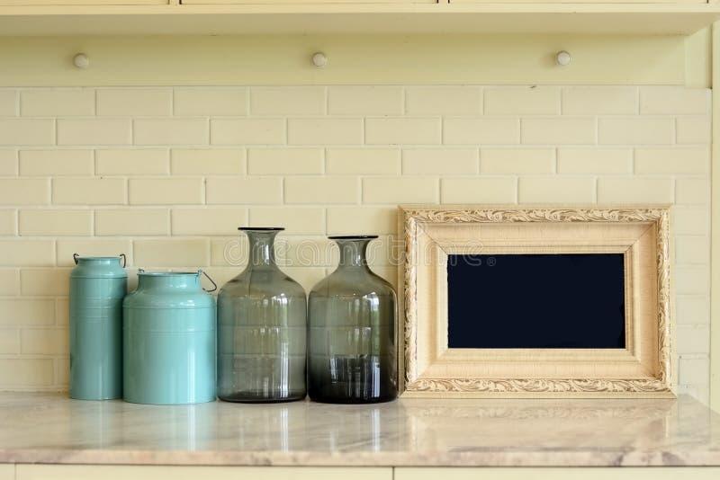 Wnętrze kuchenny materiał na marmuru stole obraz royalty free