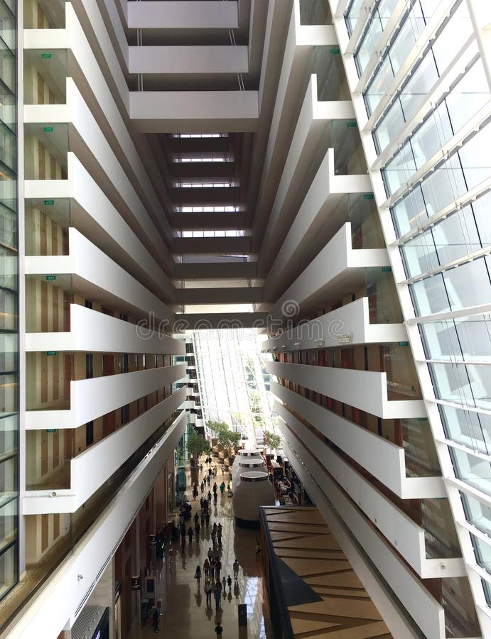 Wnętrze Marina zatoki piaski hotelowi przy Singapur obraz royalty free