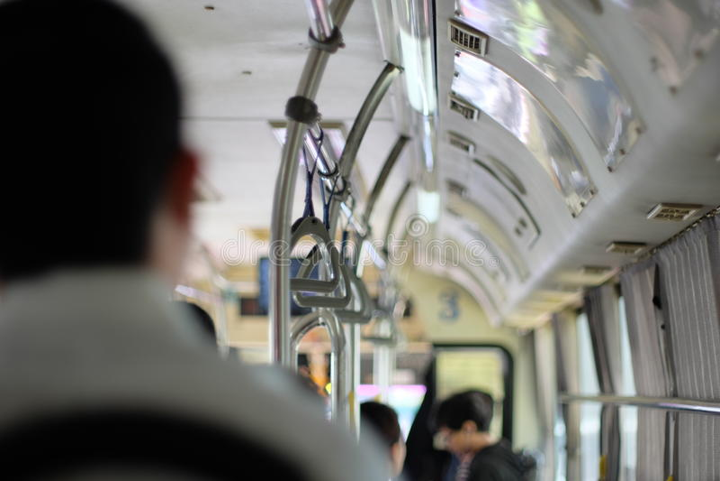 Wnętrze miasto autobus z siedzeniami zdjęcie royalty free