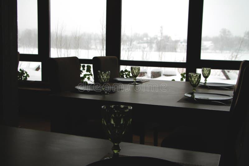 Wnętrze nowożytna kraj restauracja Widok zima krajobraz obraz royalty free