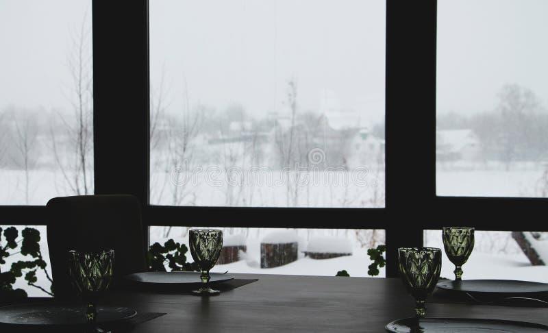 Wnętrze nowożytna kraj restauracja Widok zima krajobraz obrazy royalty free