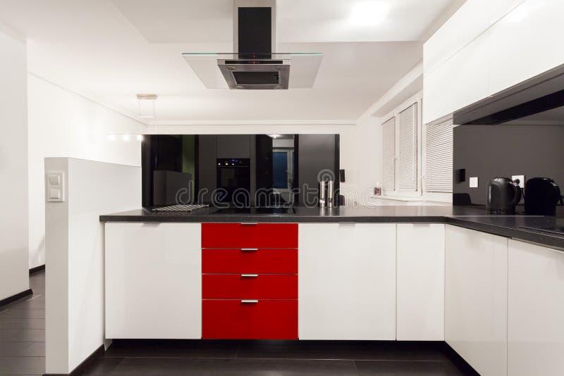 Wnętrze nowożytna, luksusowa kuchnia, zdjęcie stock