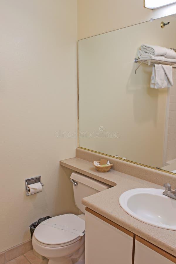 Wnętrze Nowożytny łazienki środowisko w Pastelowych kolorach fotografia stock