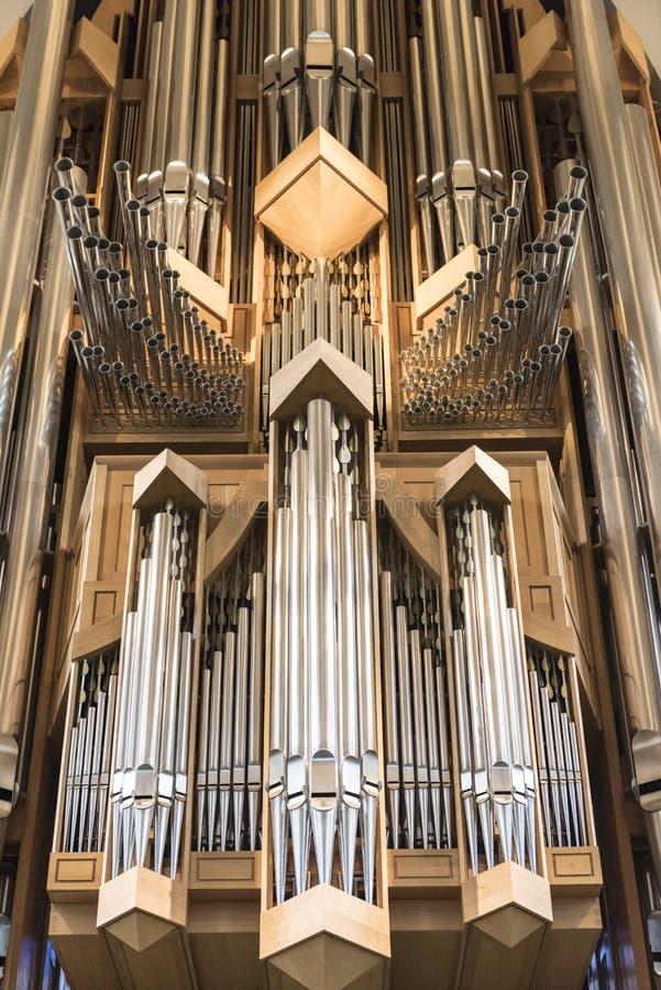 Wnętrze nowożytny Hallgrimskirkja kościelny organ w Reykjavik, Iceland zdjęcia royalty free
