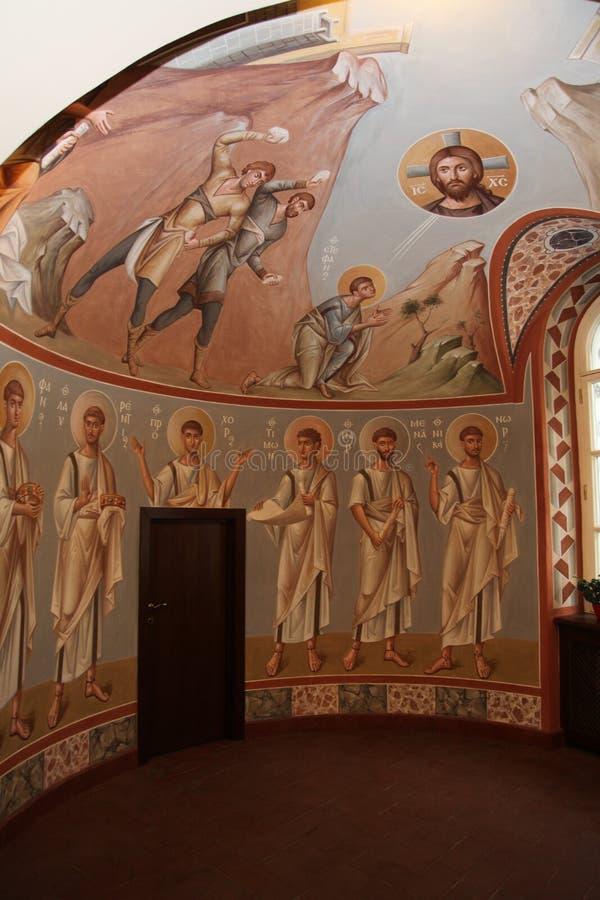 Wnętrze, ołtarz, ikony, frescoes, chrzestna chrzcielnica w starym rosyjskim tradycyjnym ortodoksyjnym kościół, ilustracja wektor
