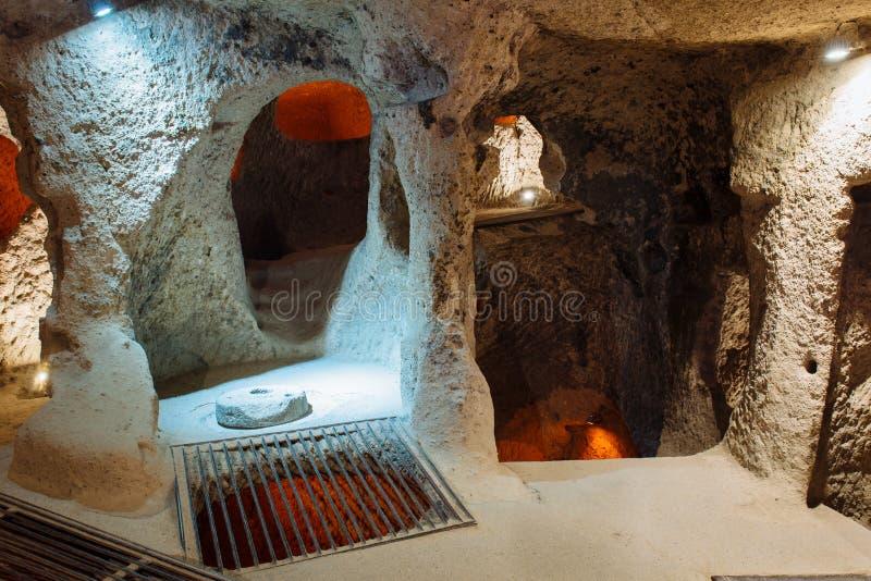 Wnętrze podziemny miasto w Cappadocia, Turcja zdjęcie royalty free