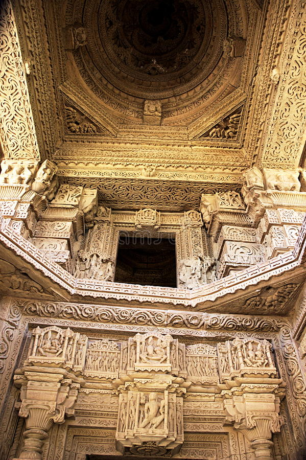 Wnętrze Saas-Bahu świątynia zdjęcie stock