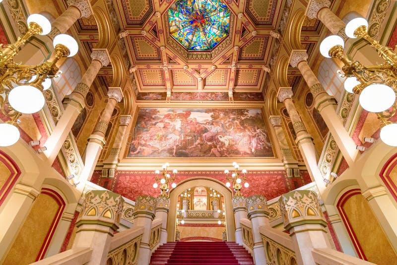 Wnętrze sala balowa dzwonił ` Pesti Vigado ` obrazy royalty free