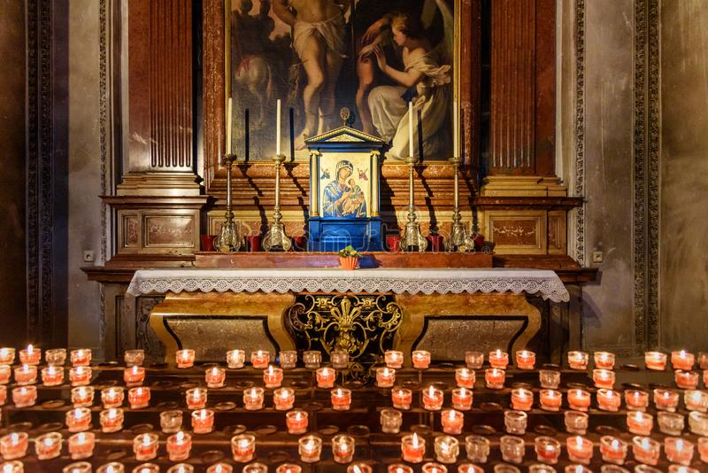 Wn?trze Salzburg Salzburger lub katedry Dom jest barokowym ko?ci?? rzymsko-katolicki w Salzburg Austria zdjęcia royalty free