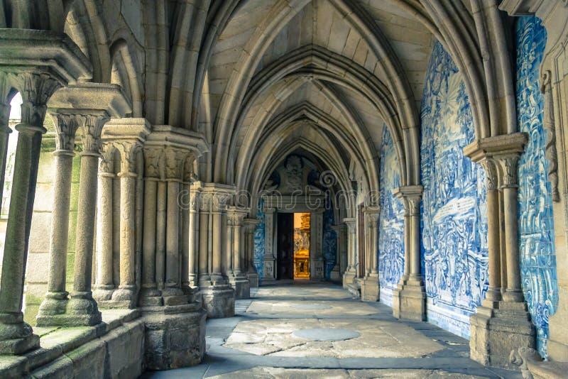 Wnętrze Se katedra w Porto mieście w Portugalia obraz royalty free