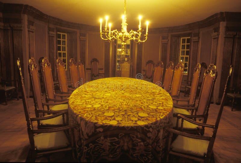 Wnętrze spotkania miejsce zakładać ojcuje blaskiem świecy, Williamsburg, Virginia zdjęcie royalty free
