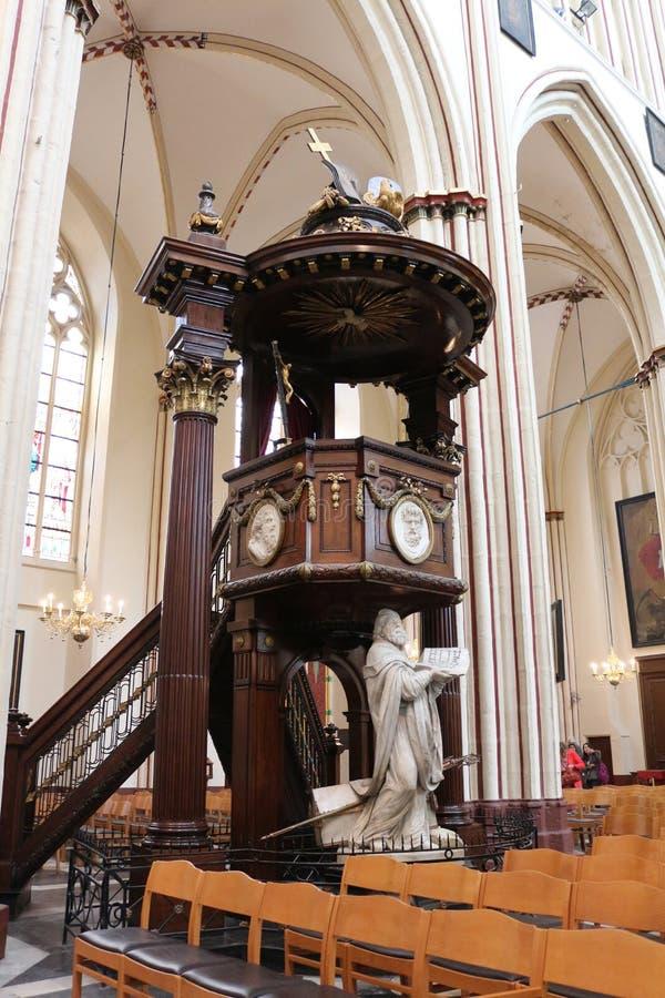 Wnętrze St Salvator katedra, Bruges, Belgia zdjęcia stock