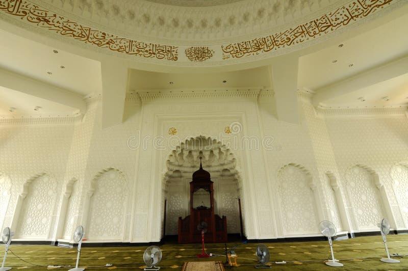 Wnętrze sułtanu Ismail Lotniskowy meczet - Senai lotnisko, Malezja fotografia stock